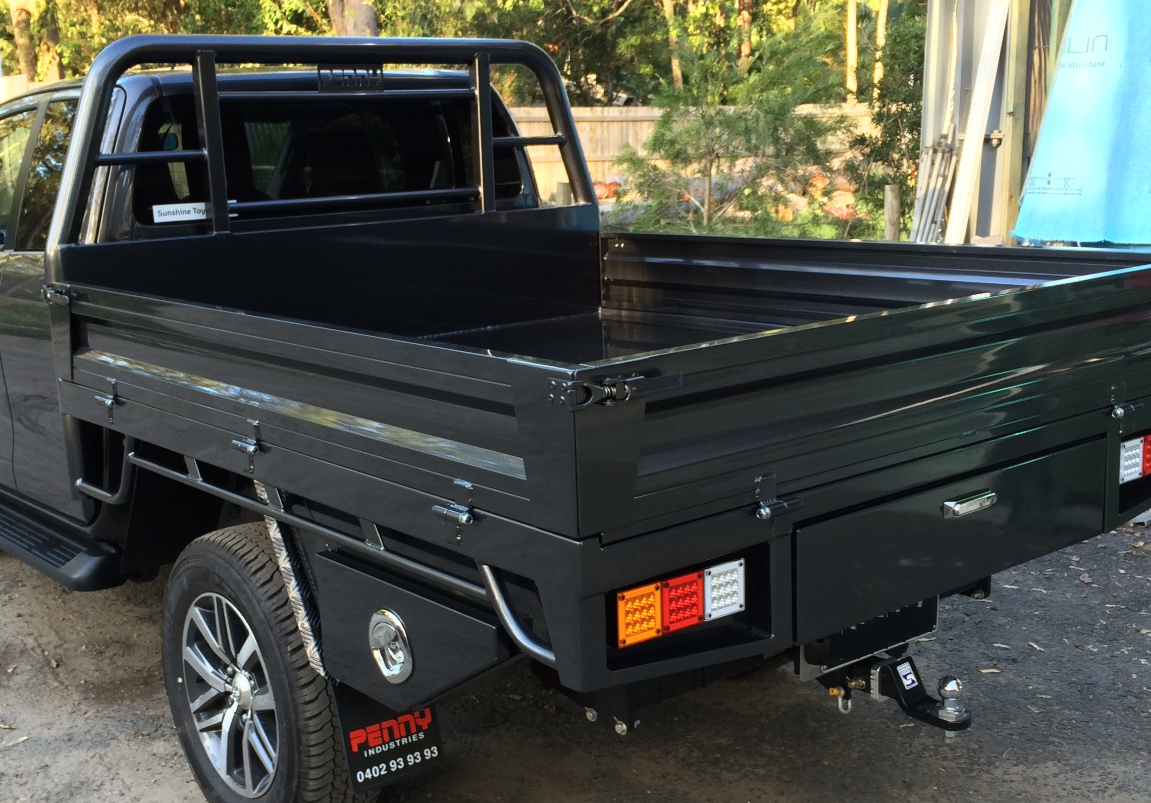 Photos - Tray - Toyota Hilux - Penny Industries
