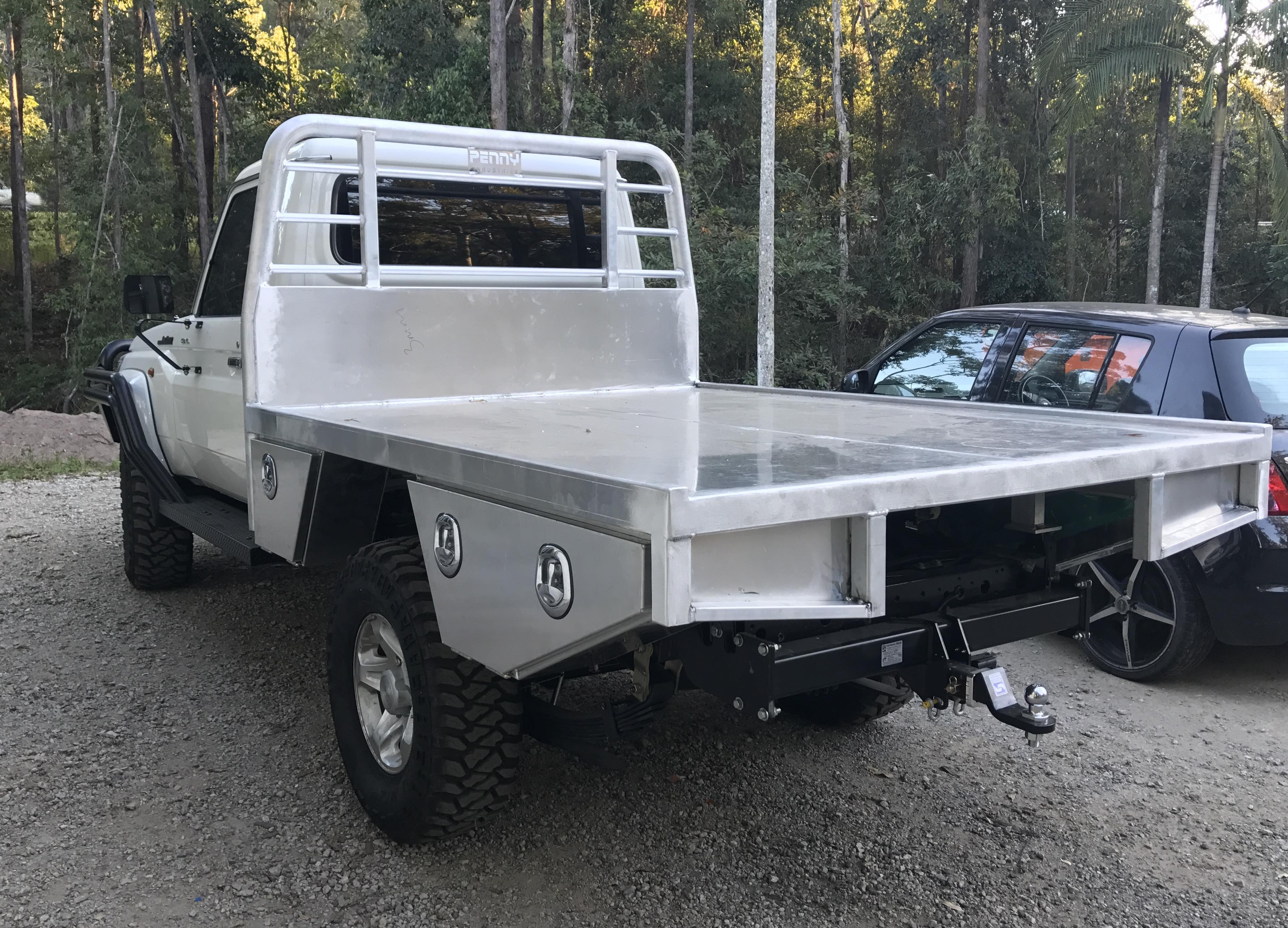 Toyota Land Cruiser 70 >> Photos of Custom Built Toyota Landcruiser Trays - Penny ...